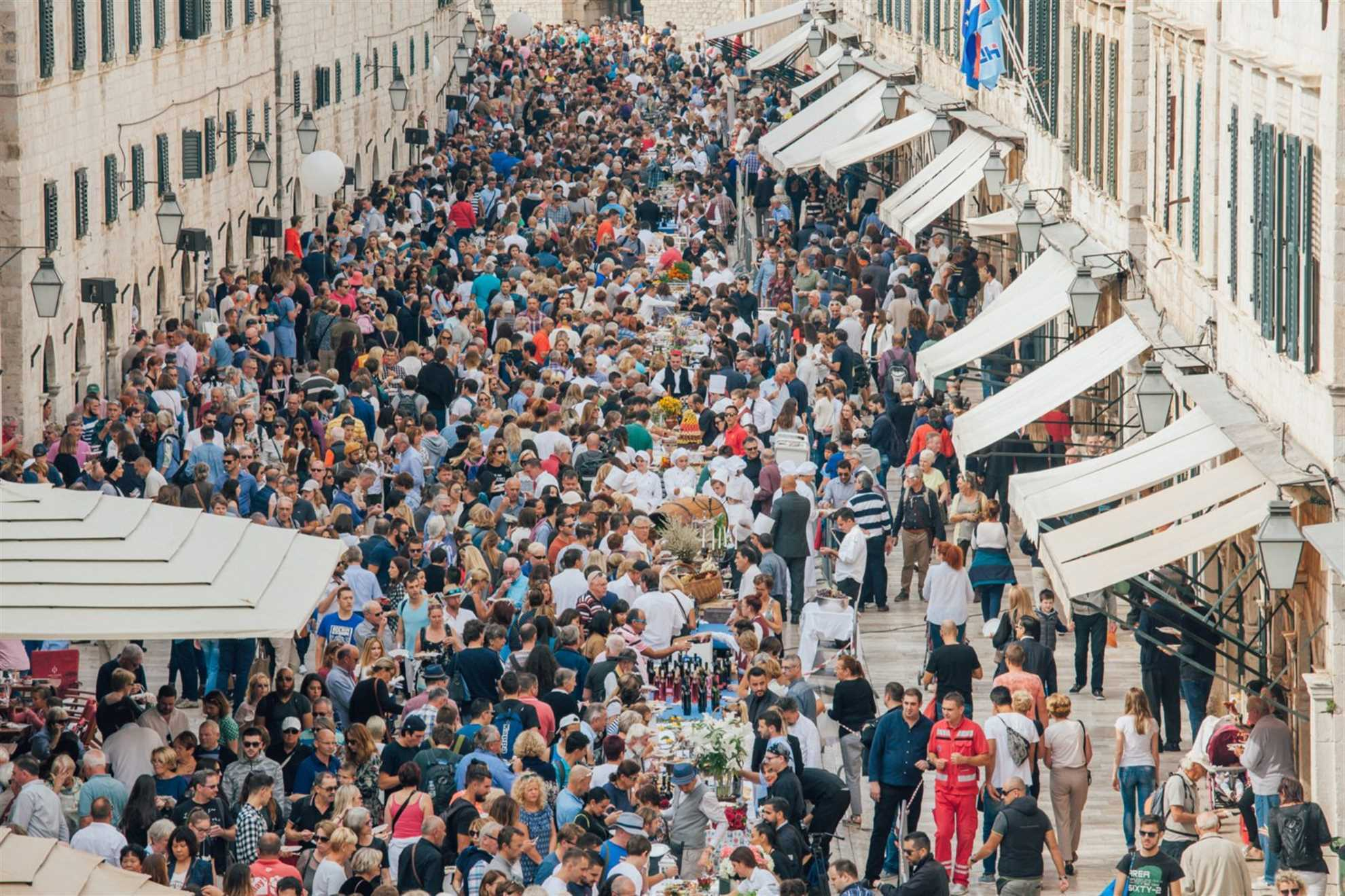 Dubrovnik Table in Stradun Street 2017