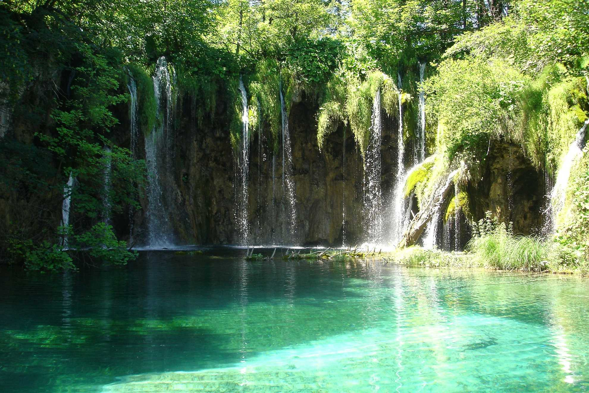 amazing waterfalls Plitvice Lakes