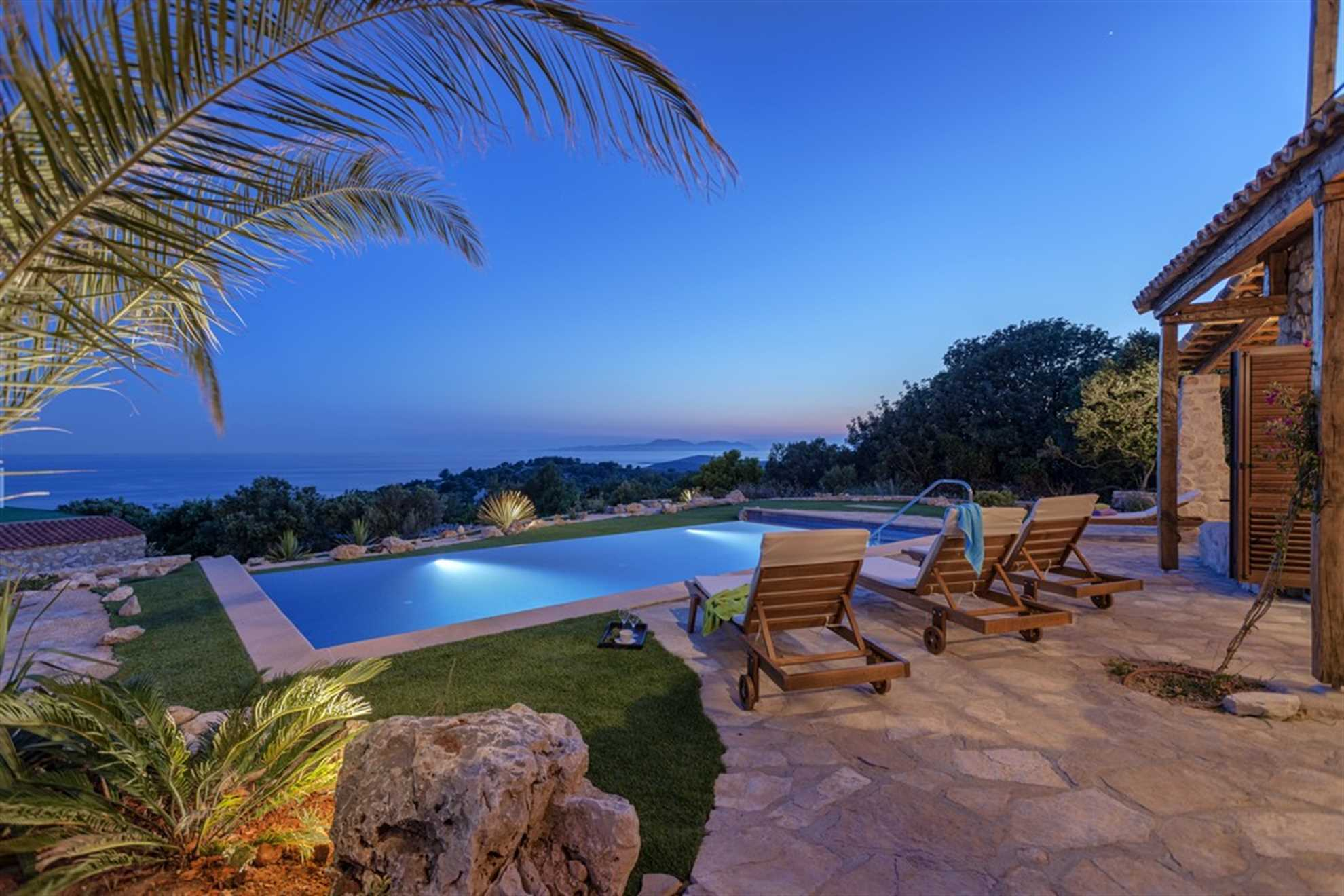 Luxury Villa Sea Seeker in Hvar, Infinity Pool with Sea View