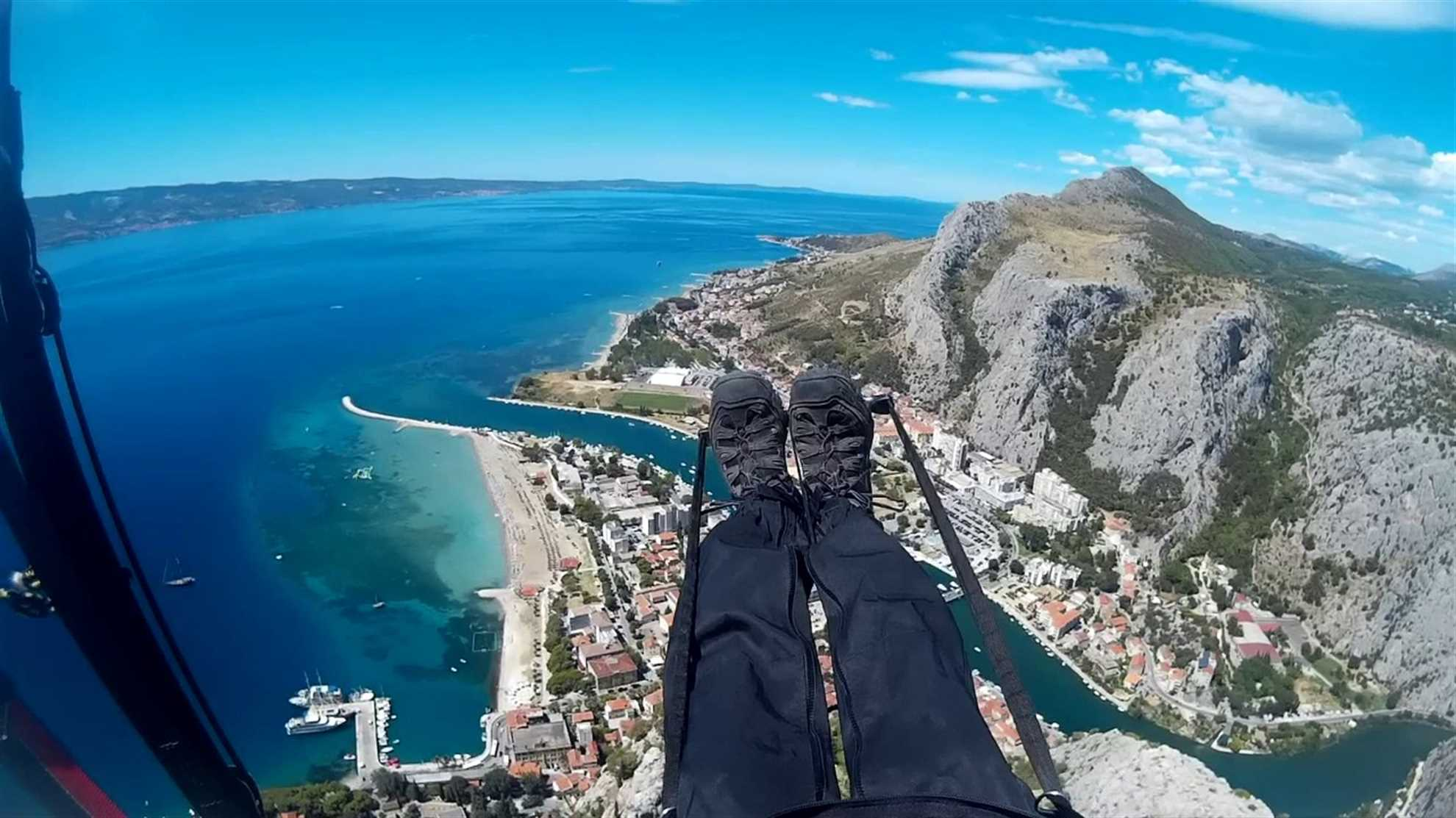 Paragliding Omis