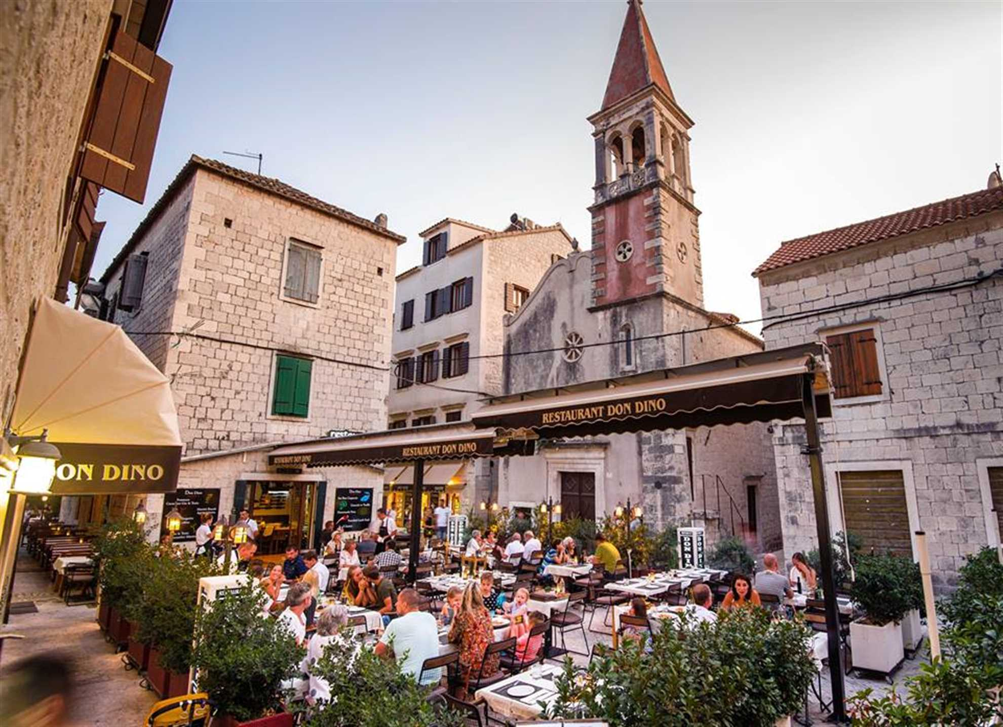 Restaurant Don Dino i Trogir Open Terrace