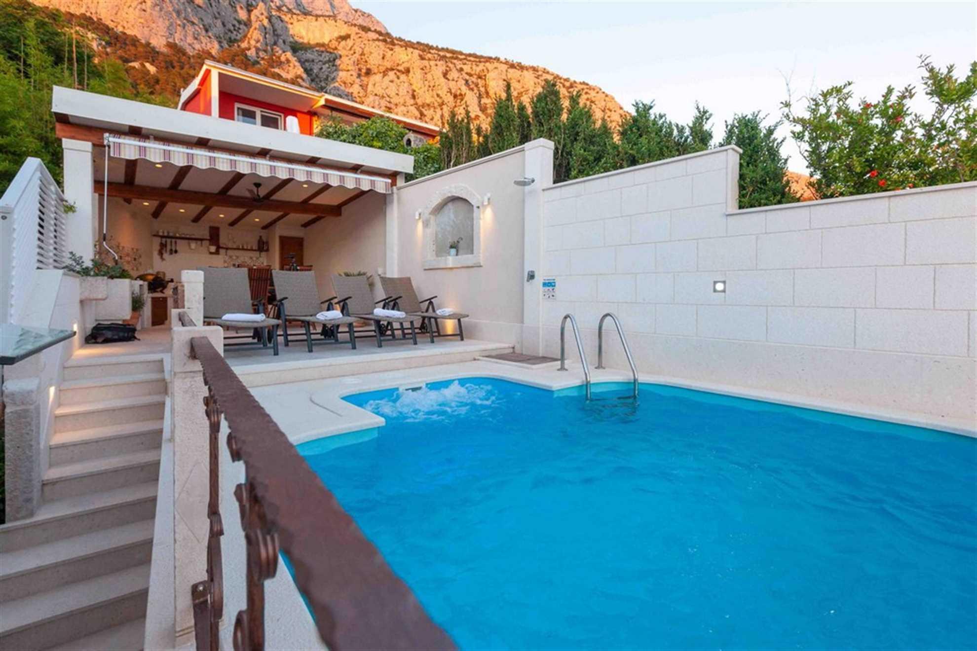 Villa Infinitum Mare with Swimming Pool