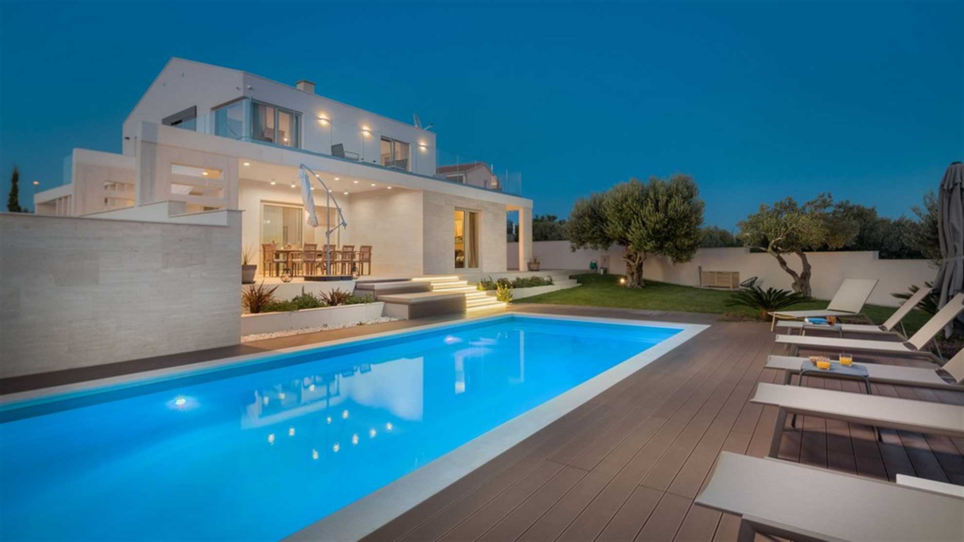 Luxury Villa Cinderella with Pool in Primosten