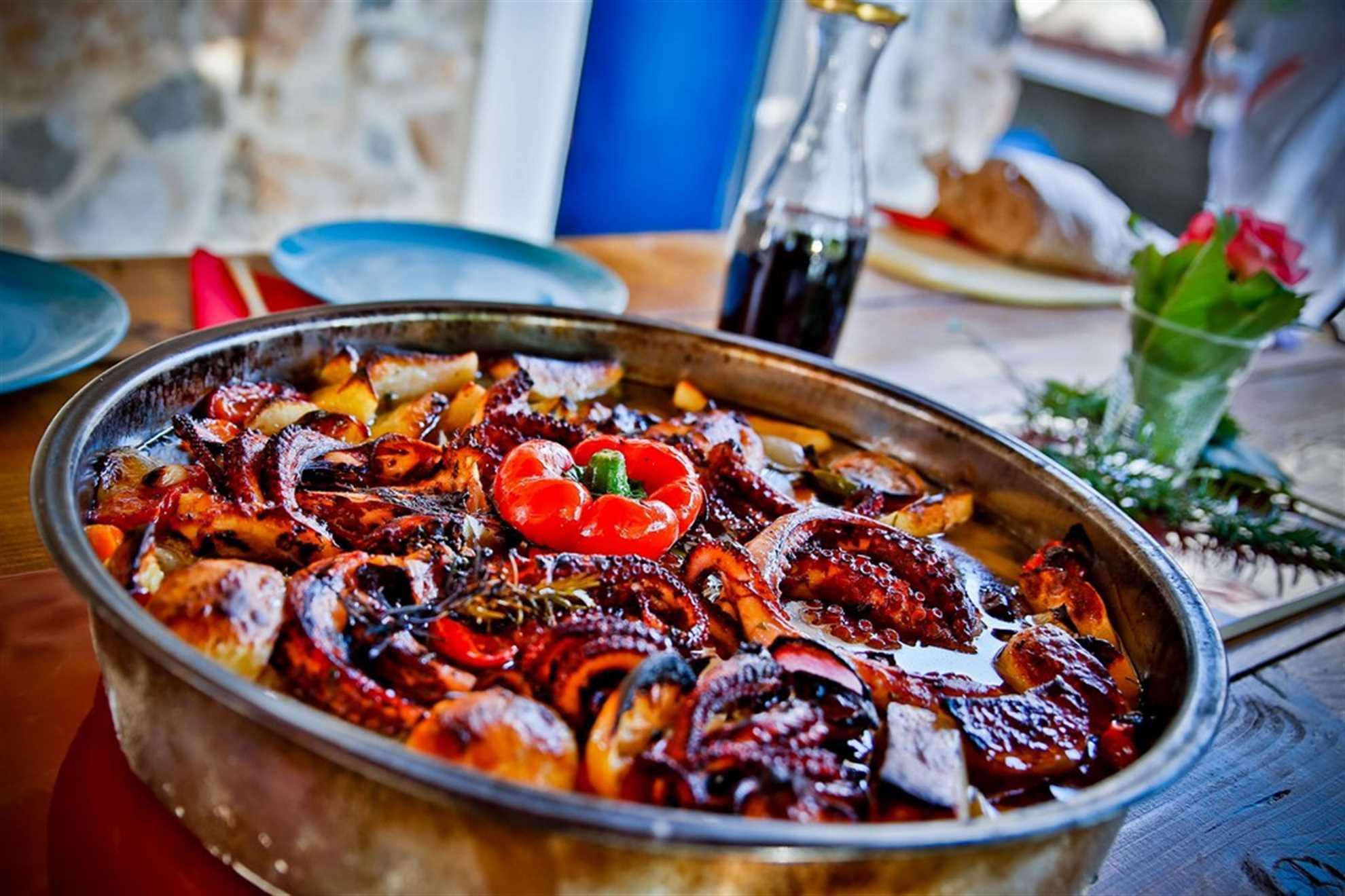Hobotnica pod pekom