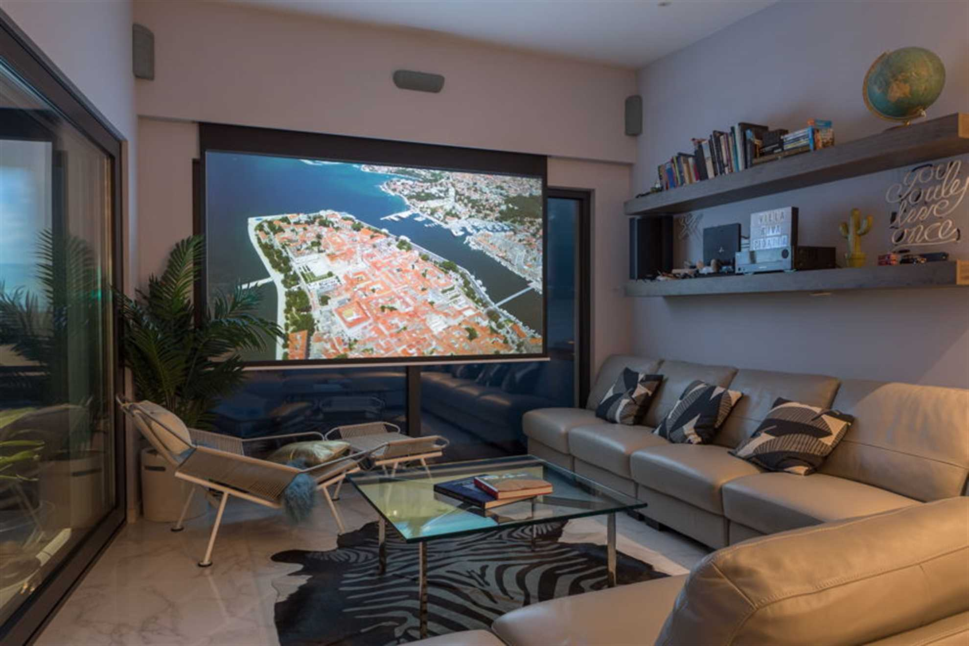 4K Projector with surround system
