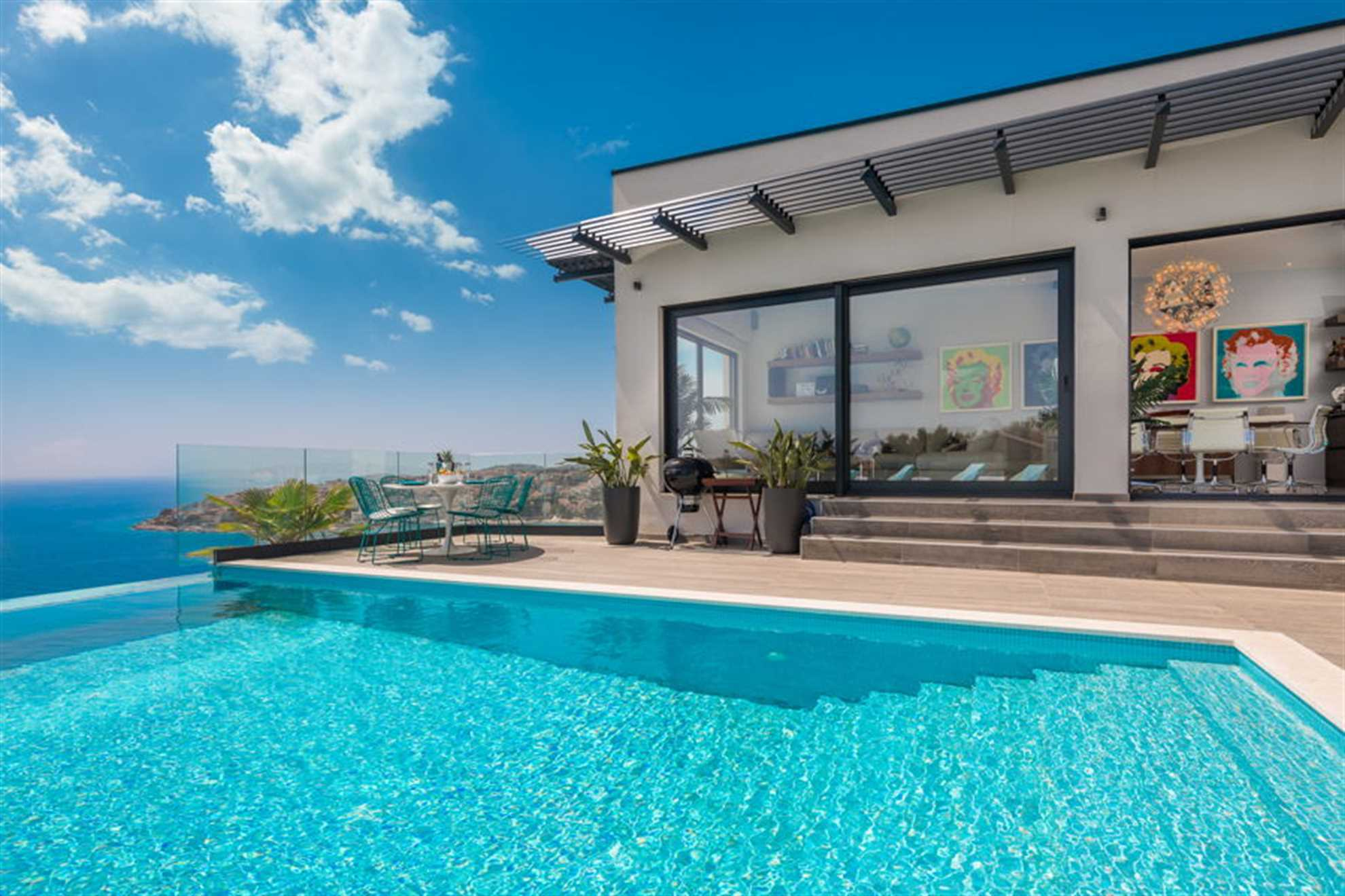 Luxury Villa Riva with Infinity Pool