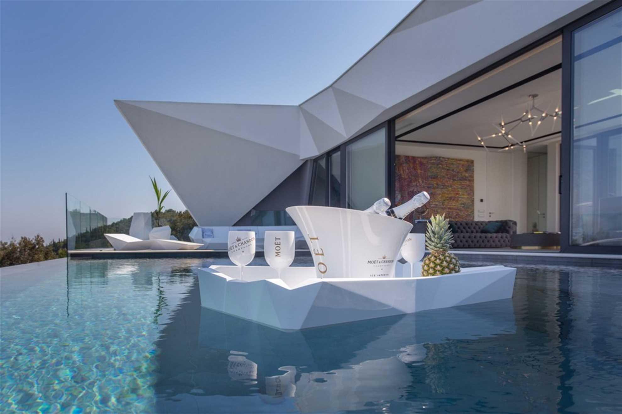 Jedan od bazena vile Korcula Diamond