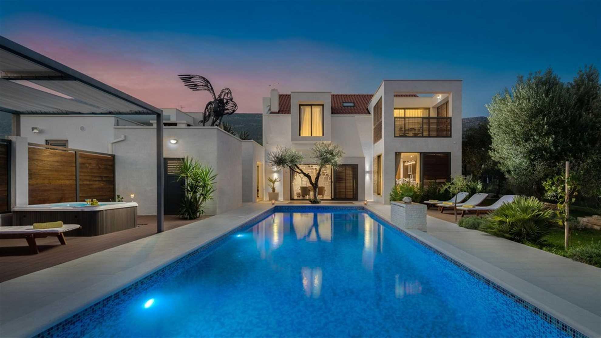 White Oasis Villa near Split