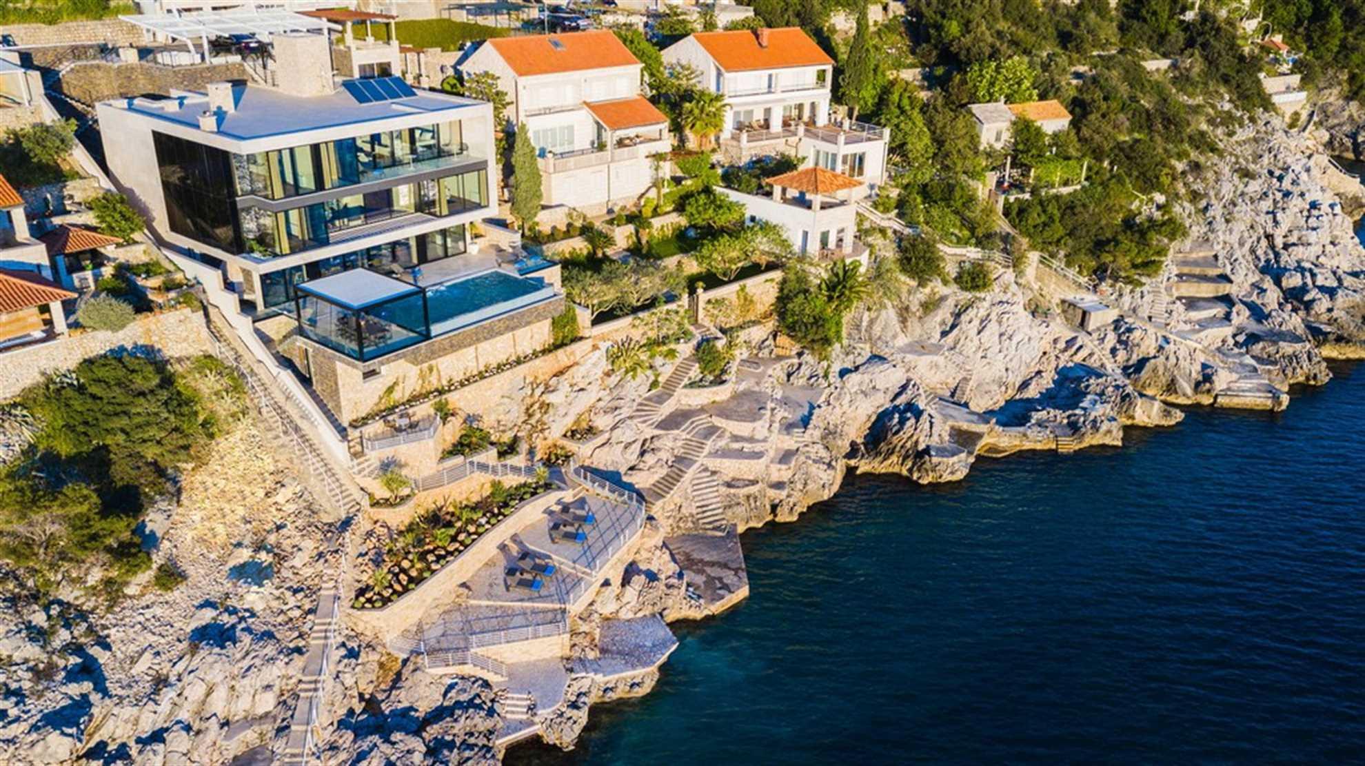 Grand Oceania nær Dubrovnik
