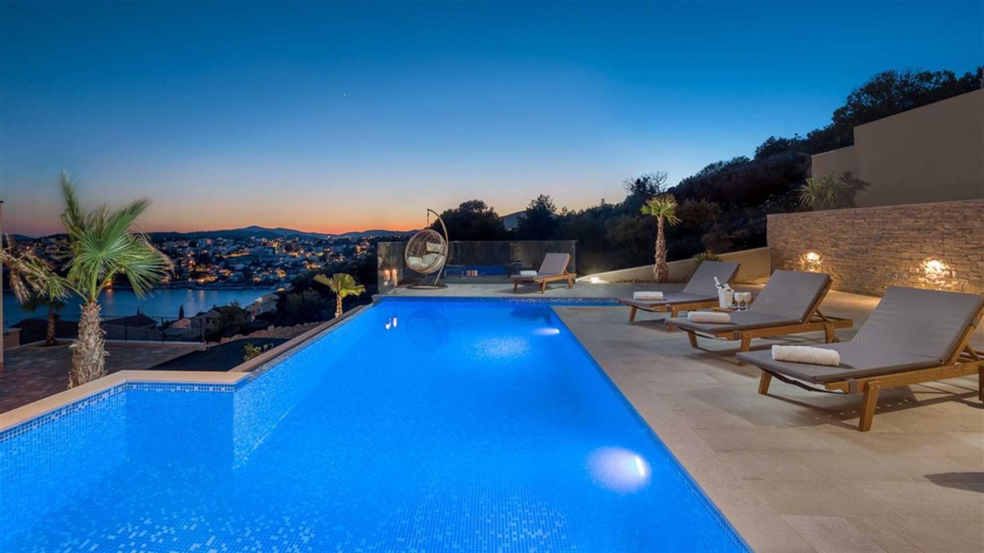 Luxury Villa White Pearl near Trogir