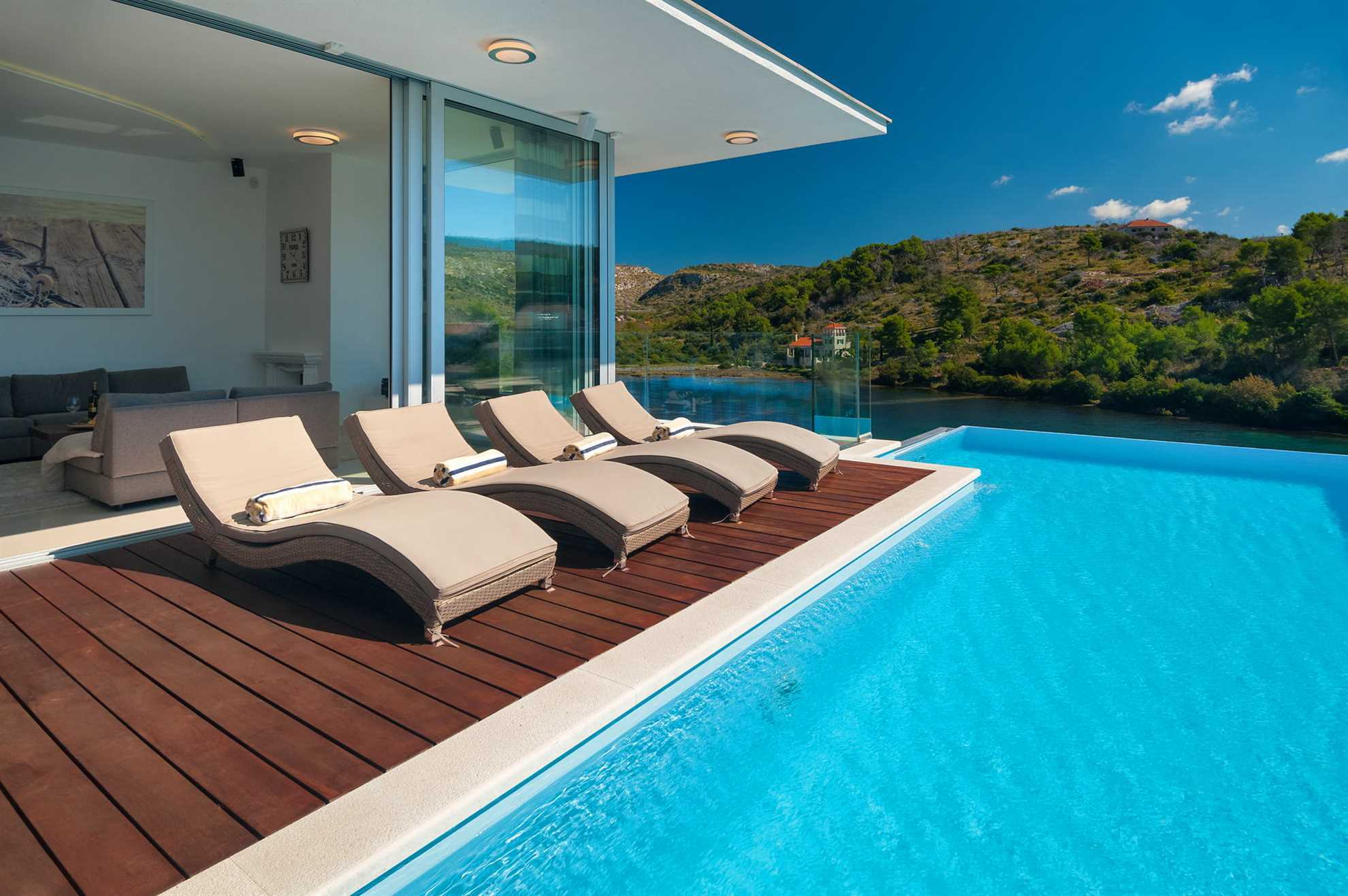 Luxury Villa Fly Me to The Moon with Swimming Pool, Brac, Croatia