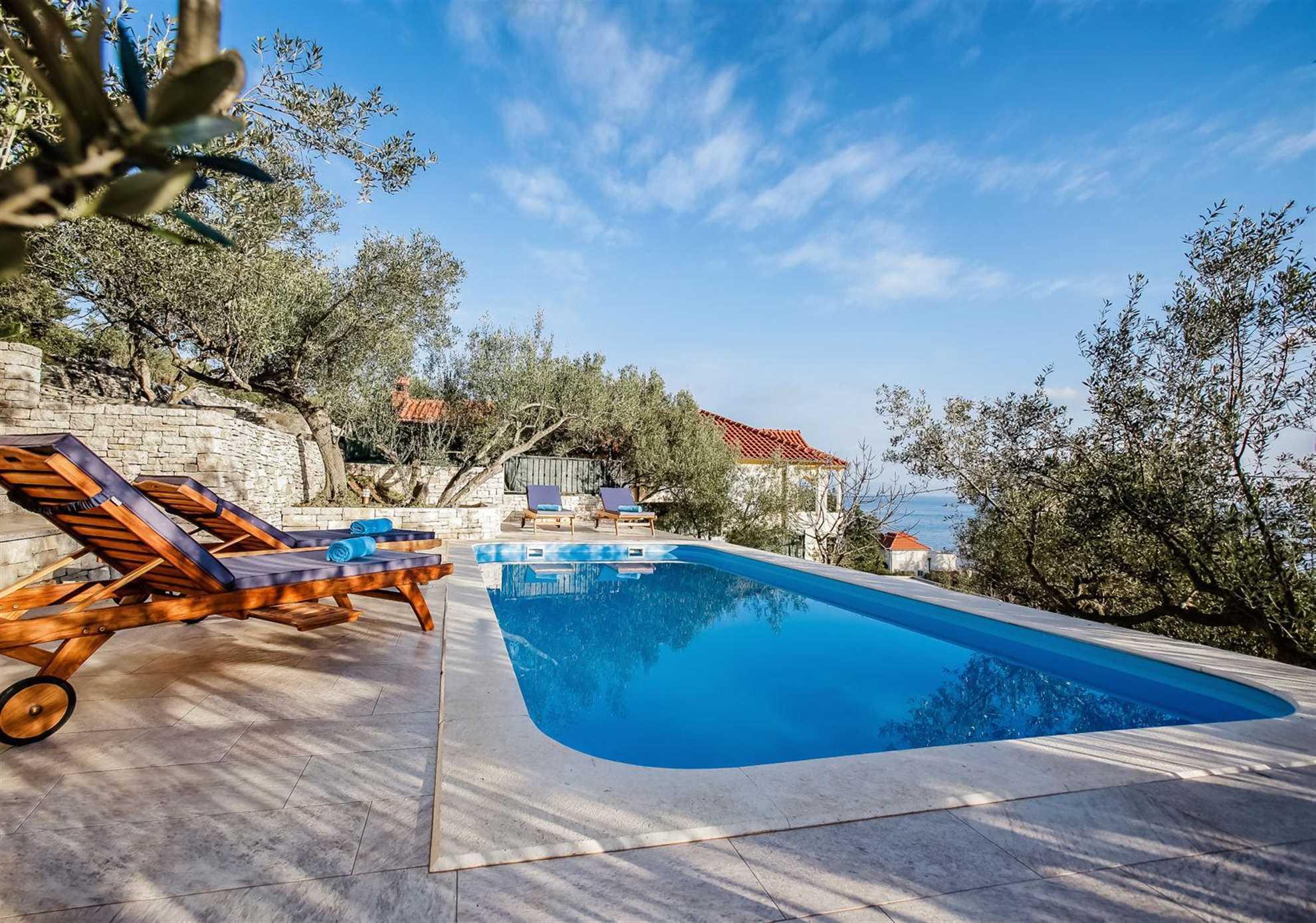 Luxury Villa Golden Beach  with Swimming Pool and Large Sun Deck in Bol on Brac Island