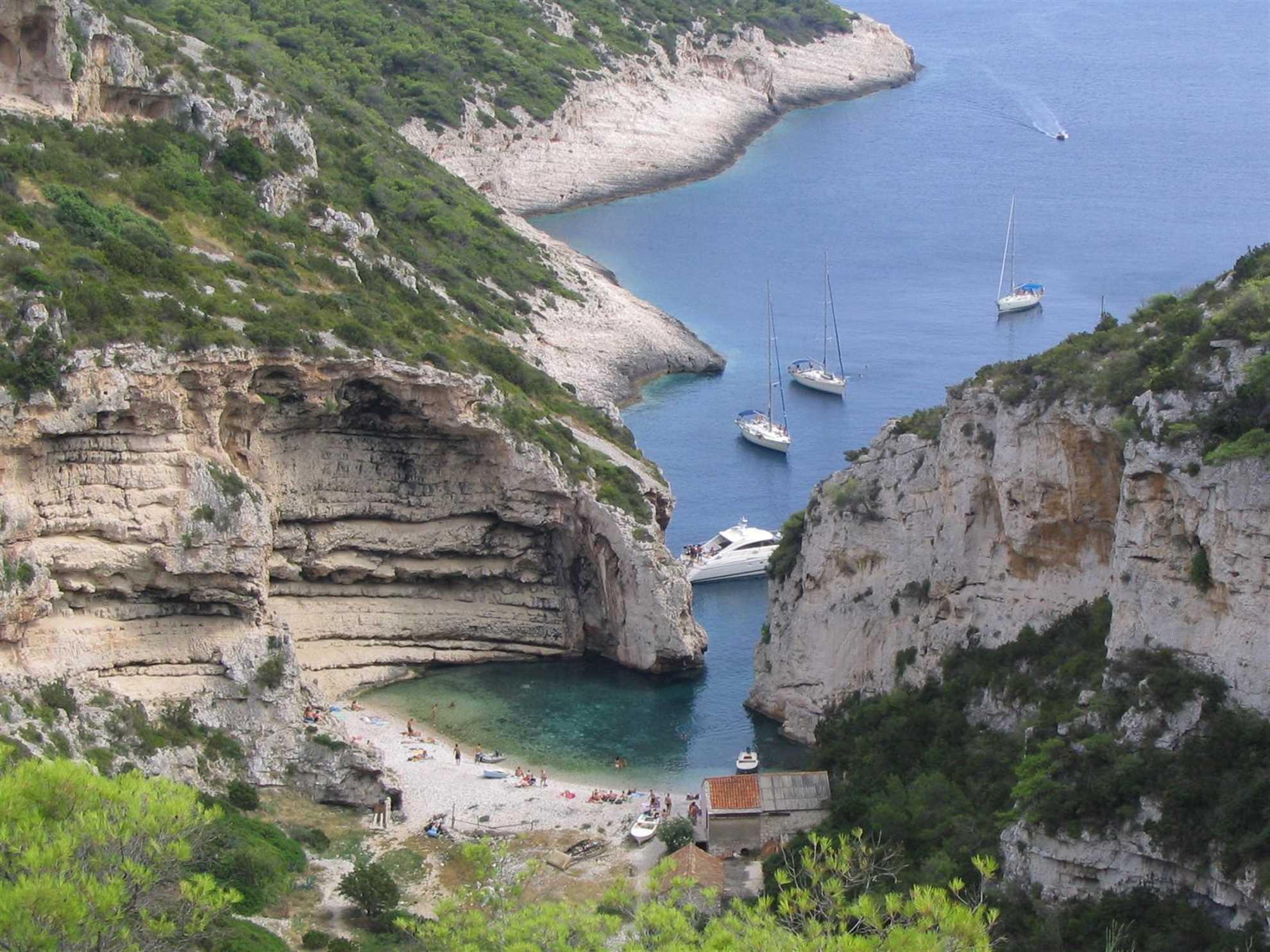 Mala Stiniva Bay, Vis, Kroatien