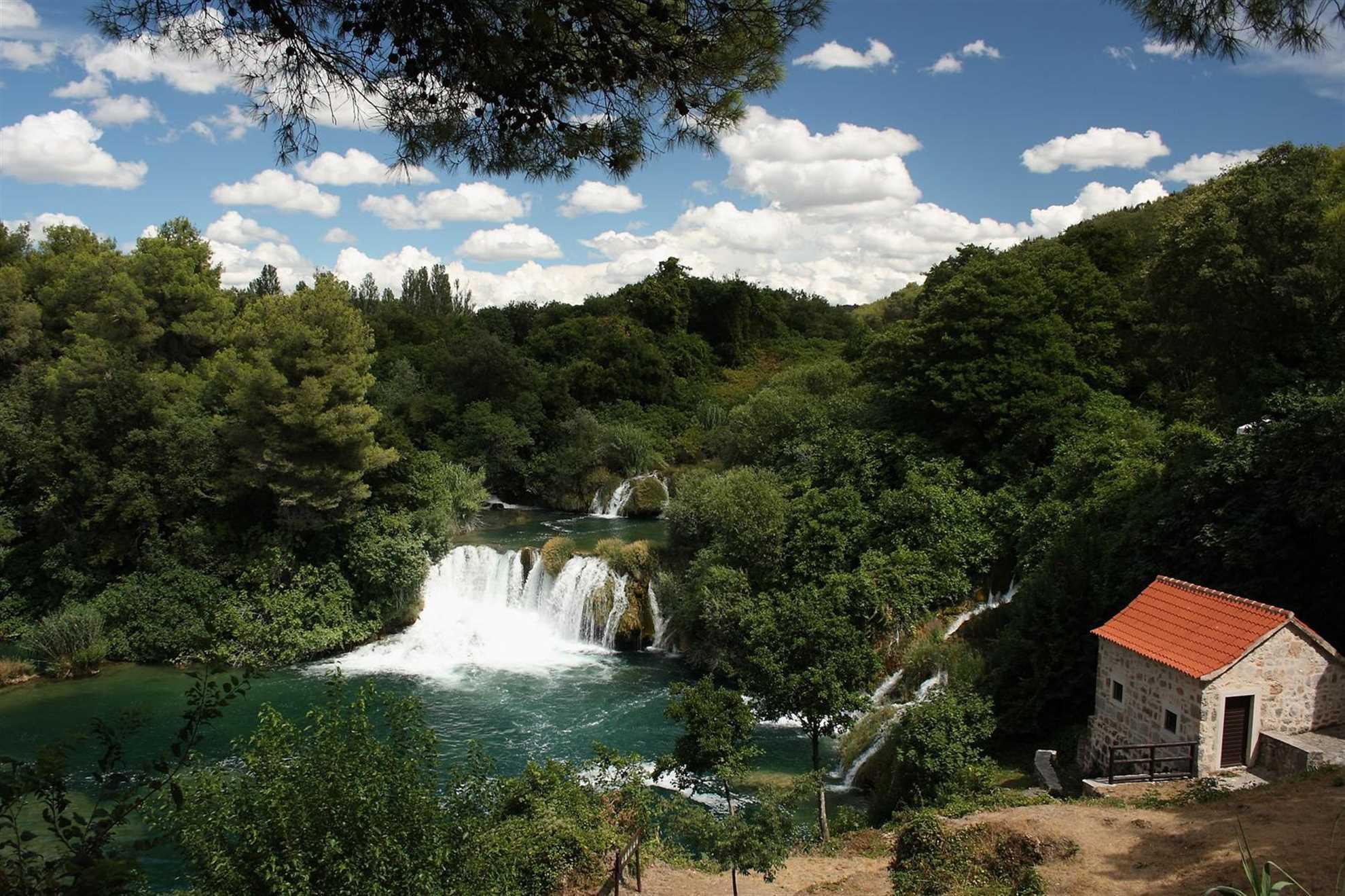 Krka fossefall, nasjonalpark i sentrale Dalmatia, Kroatia