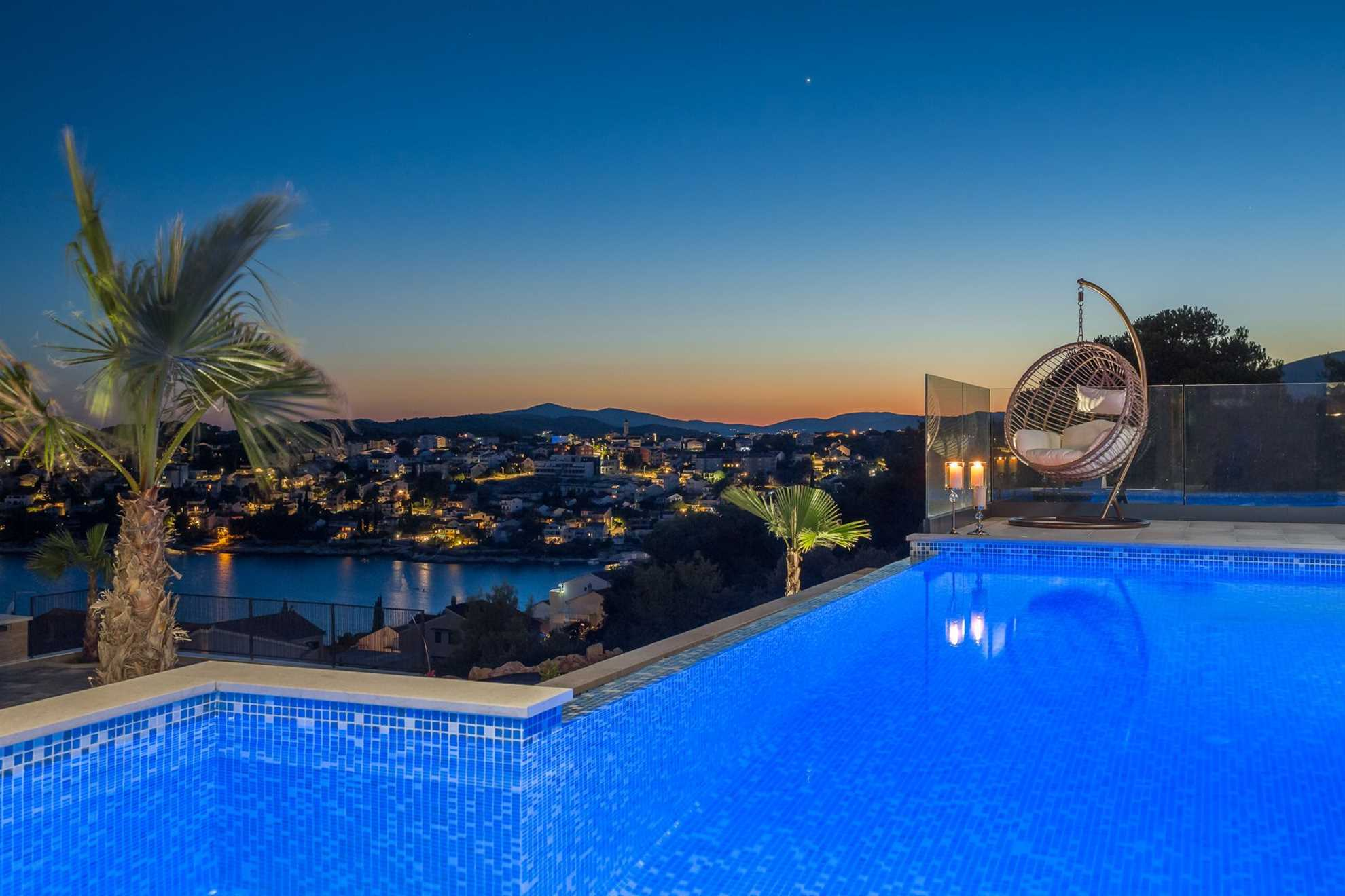 Luxury Villa White Pearl with heated infinity pool in Trogir