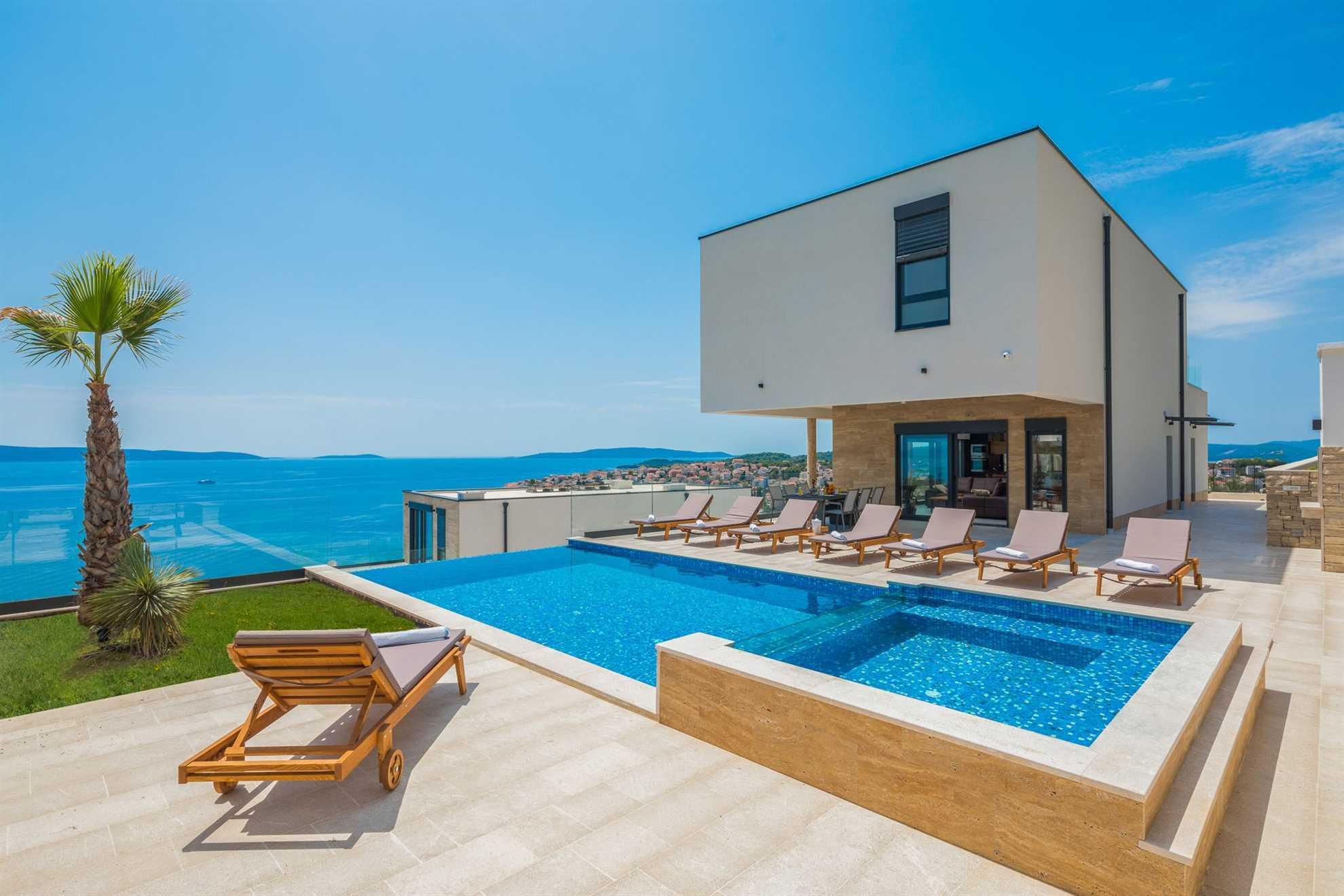 Luxury Villa Saphire Pearl_VIP Holiday Booker