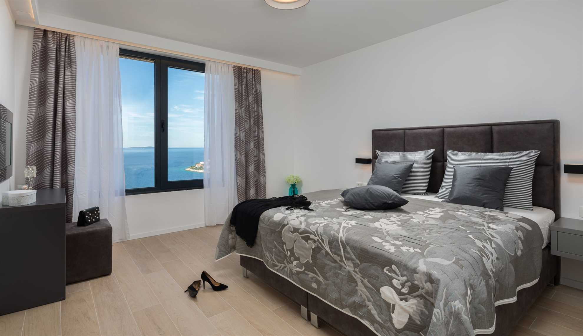 One of  four bedrooms in the Luxury Villa Black Pearl_VIP Holiday Booker