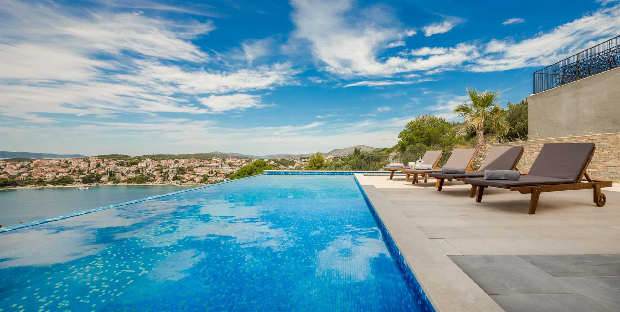 Sunny terrace with panoramic view_VIP Holiday Booker