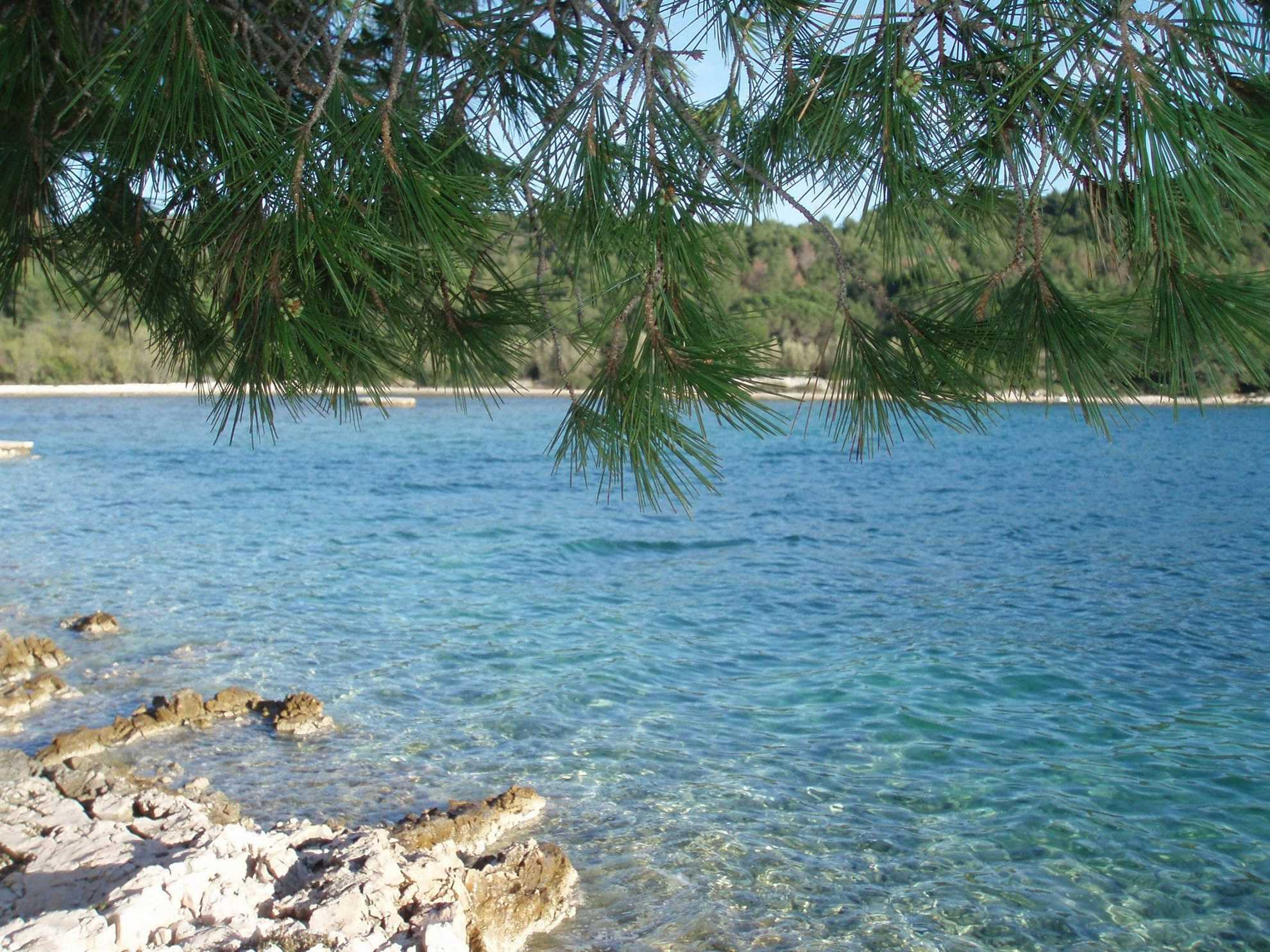 Gravel Beach on the island of Ciovo_VIP Holiday Booker